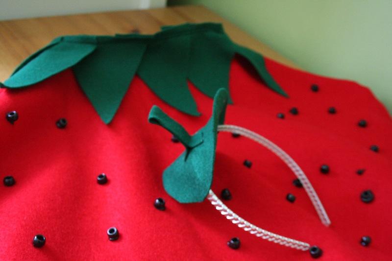 kids-strawberry-halloween-costume