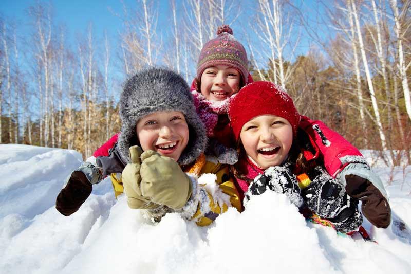 3-kids-in-snow-ovo
