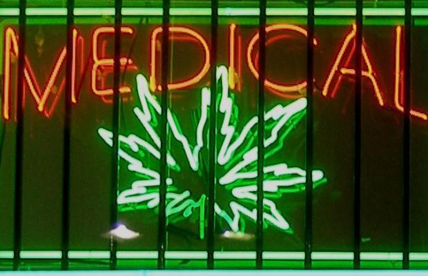 1462353624_medical-marijuana-sign.jpg