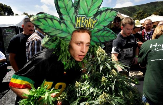 1465908807_15920644-marijuana-expo-04_17_2010.jpg