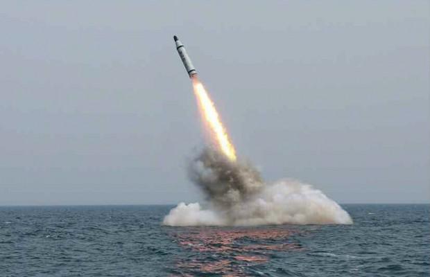 выстрел ракеты с подводной лодки видео
