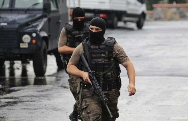 1469686660_turkey-istanbul-us-consulate-attack.jpg