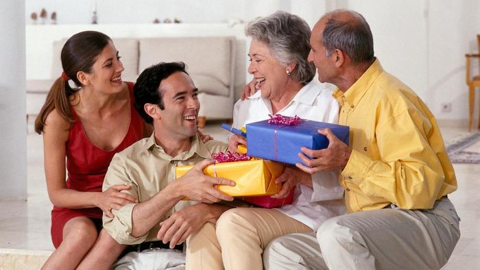 good-anniversary-gift-ideas-parents_2fdebabd0dcf6bcf